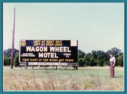 Wagon Wheel Motel Sign